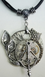 Necklace Medallion Pendant Steampunk The arrows of the time