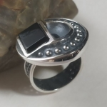 Silver ring quarter arc with balls onyx