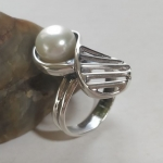 Silver ring eight lattice with pearl