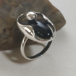 Silver ring cut ellipse with droplet aventurine