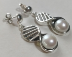 Silver earrings pearl eight lattice with pearl ball pin